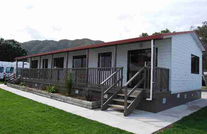 Wellington Top 10 Holiday Park front of two bedroom motel units